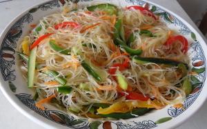Фунчоза с корейской морковью и овощами