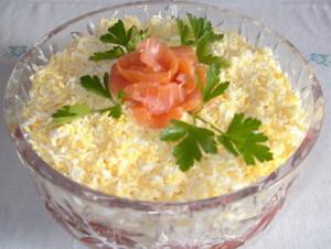 Салат  слоеный с семгой