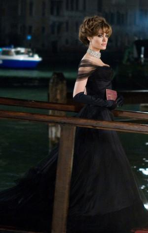 Черные платья Джоли