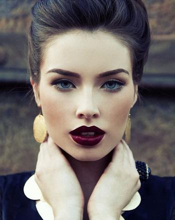 Темная помада - ведущая тенденция в макияже 2015 года